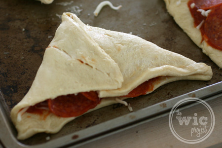 Crescent Pizza Pocket Fold 2