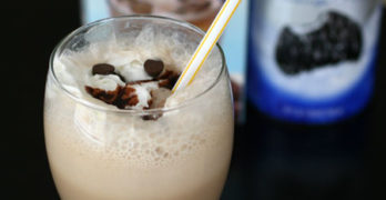 Grasshopper Iced Mocha with International Delight – Recipe #IcedDelight