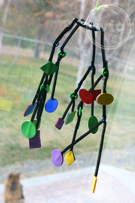 Kiwi Crate Hanging Mobile