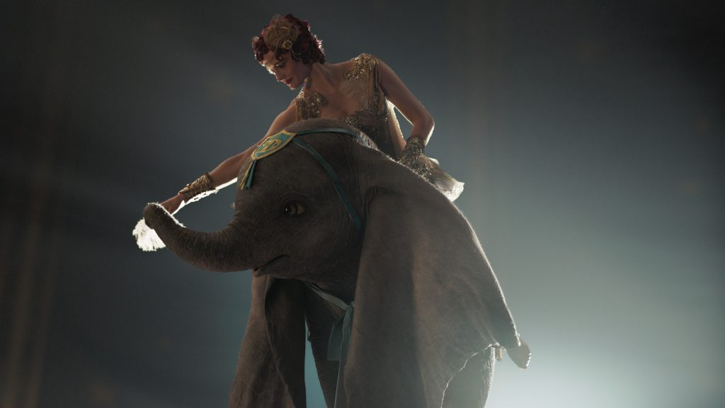 Disney's Live Action Dumbo Movie Review - An Incredible, Entertaining Experience