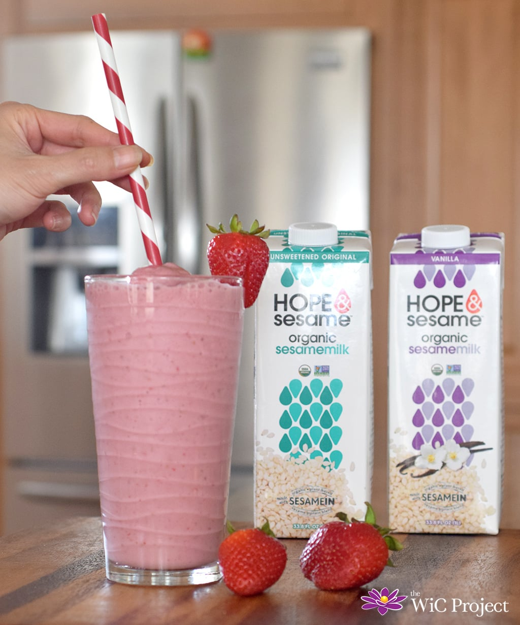 Strawberry Banana Sesame Milk Smoothie Recipe