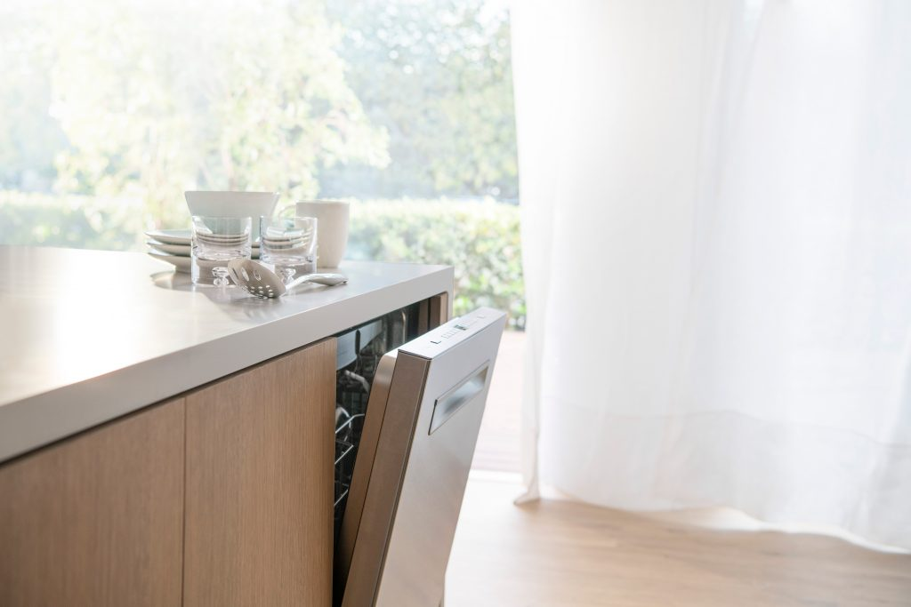 Dishwasher Features Worth Paying For: The AutoAir™ Bosch 500 Series Has Them All