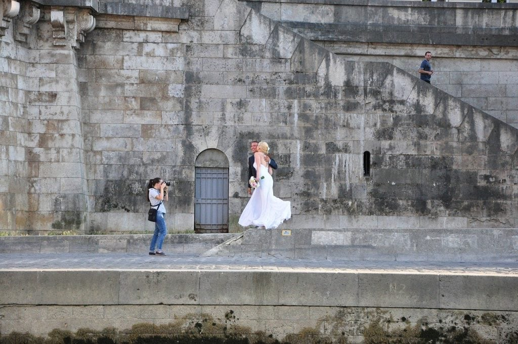 Do Consider Hiring Professional Wedding Photographer